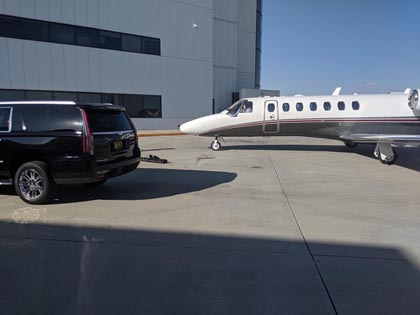 Luxury car service to LAX located in Long Beach, CA