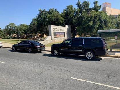 SUV and Car Service in Thousand Oaks California featuring professional chauffeurs and reliable service.